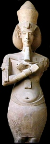 Akhenaten's androgyny